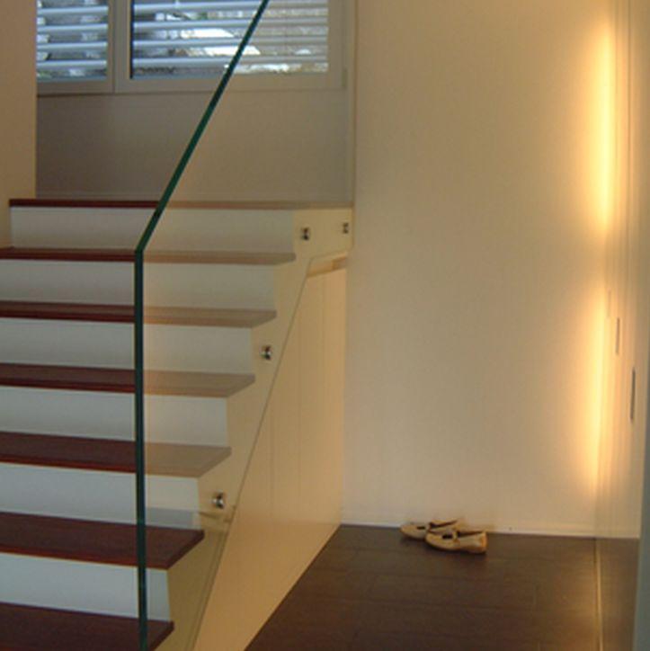 Garderobenschrank mit umlaufender beleuchtung homeplan for Garderobenschrank mit schuhschrank