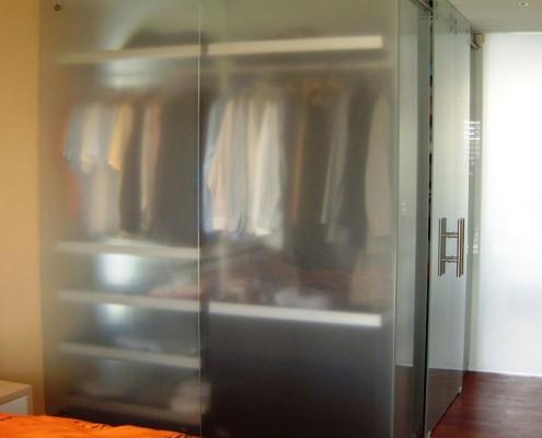 Ankleide Kleiderschrank aus Glas 1